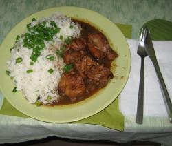 Hrášková rýže kuře na červeno