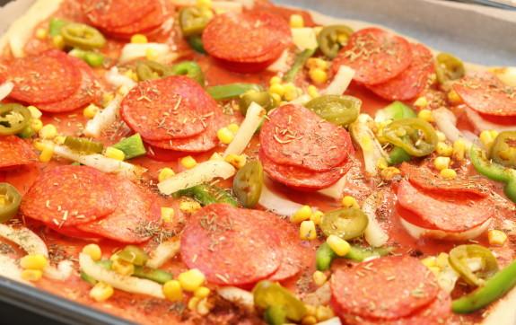 Pizza z nekynutého těsta